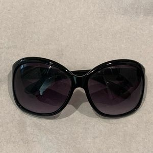 Marc Jacobs Over sized sunglasses